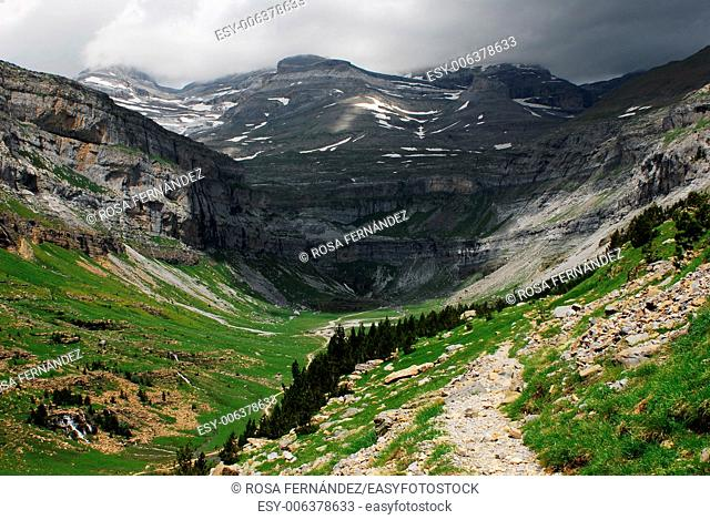 Soaso glacial cirque, Arazas river and Cazadores trail, Ordesa and Monte Perdido National Park, Pyrenees Range, province of Huesca, Aragon, Spain