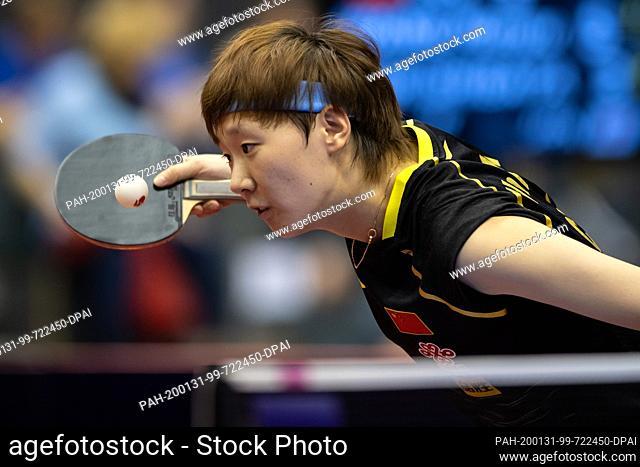 31 January 2020, Saxony-Anhalt, Magdeburg: Table tennis: German Open, women, singles, round of sixteen, Wang (China) - Shibata (Japan)