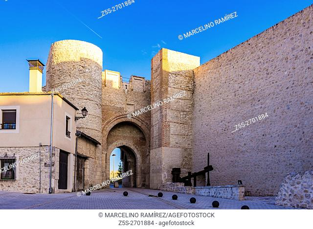 Arch of San Basilio. Cuéllar, Segovia, Castilla y León, Spain, Europe