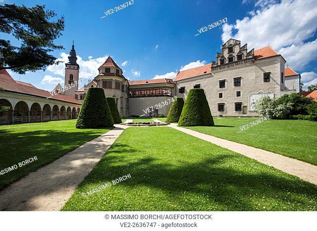 The Zamek (castle) from the garden (UNESCO World Heritage), Telc, Moravia, Czech Republic