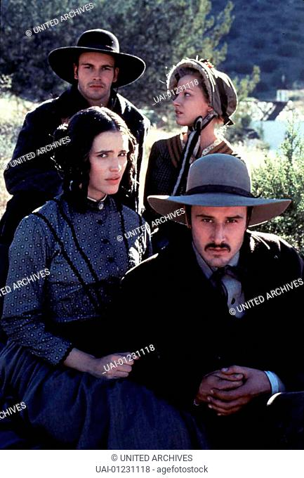 Jonny Lee Miller (hinten links), Jennifer Garner (links), David Arquette (vorne rechts), Gretchen Mol (rechts hinten) *** Local Caption *** 1996