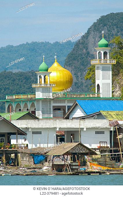 Mosque in the Muslim fishing village of Koh Pan Yi (aka Sea Gypsy Village), Phang Nga bay. Thailand