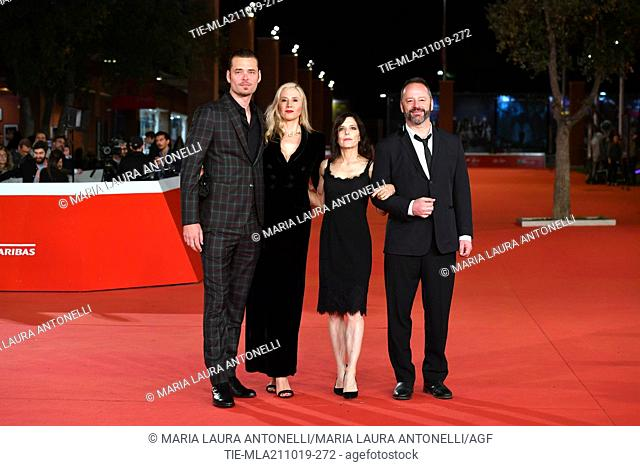 The director Melora Walters and the cast with Christopher Backus, Mira Sorvino and Gil Bellows pose during the red carpet for 'Drowing' at the 14th annual Rome...