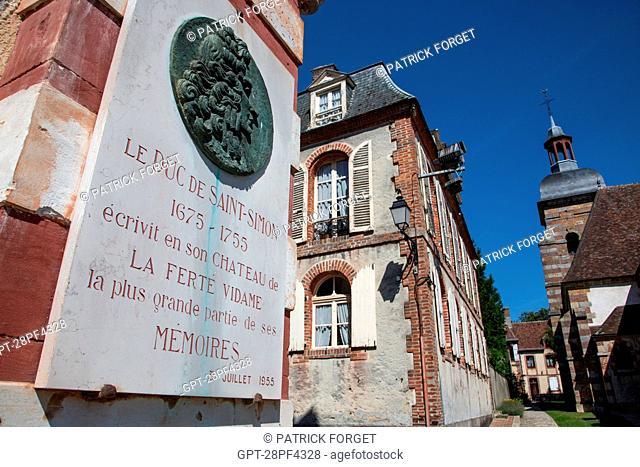 STELE IN MEMORY OF THE DUKE DE SAINT-SIMON 1675-1755, LA FERTE-VIDAME, EURE-ET-LOIR 28, FRANCE