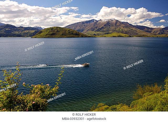New Zealand, South-island, Central Otago, lake Wanaka, Glendhu Bay, motorboat, waterski-drivers, landscape, view, lake, Wannake-Lake, water, boat, leisure time