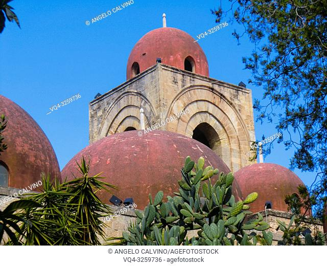 PALERMO, San Giovanni degli Eremiti, St. John of the Hermits, monastery church from the Norman period in Sicily, Sicily, Italy