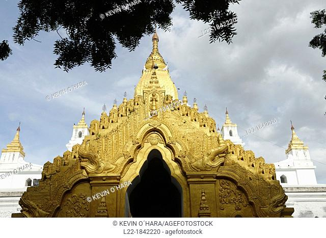The Kyauktawgyi Pagoda was built by King Bagan in 1847 on the model of the Ananda Temple at Pagan  Amarapura  Mandalay Division  Burma  Republic of the Union of...