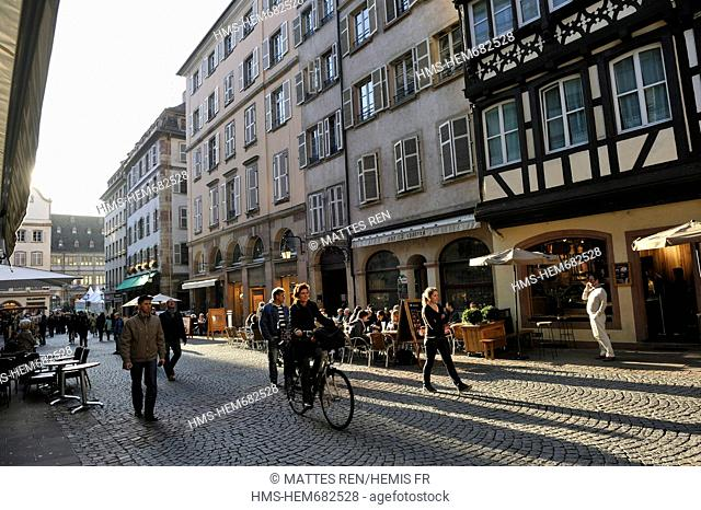 France, Bas Rhin, Strasbourg, old city listed as World Heritage by UNESCO, Rue Merciere
