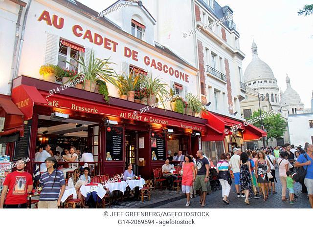 France, Europe, French, Paris, 18th arrondissement, Montmatre, Rue Norvins, Place du Tertre, Au Cadet de Gascogne, restaurant, cafe, brasserie, tables, chairs