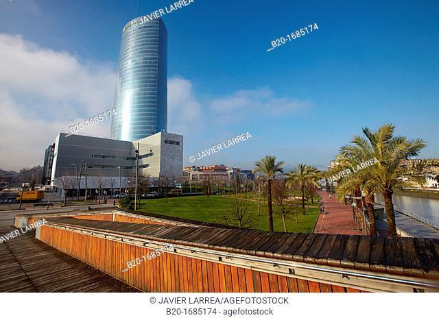 Iberdrola Tower, Padre Arrupe Bridge, Abandoibarra, Bilbao, Bizkaia, Basque Country, Spain