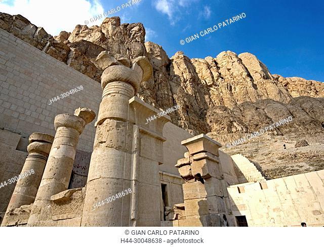 Deir el Bahari, Luxor, Egypt: temple of the queen Hatshepsut (New Kingdom 1567-1080 b.C.) at Deir el Bahari called Djeser-Djeseru: pillars in front of the cliff