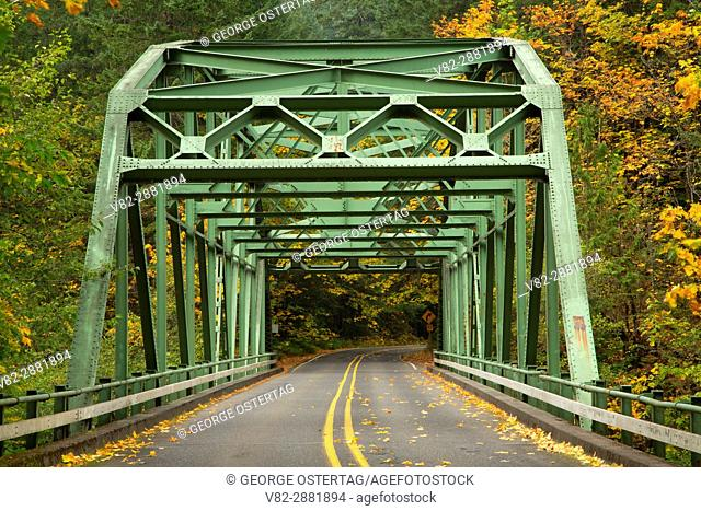 River bridge on West Cascades Scenic Byway, Clackamas Wild and Scenic River, Mt Hood National Forest, Oregon