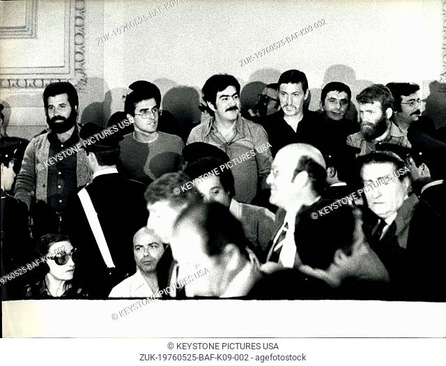 May 25, 1976 - A big confusion happened at the Court in Turin that judges a group of extra leftist named 'The Red Brigade'