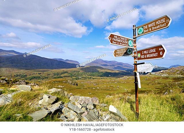 Sign post Molls gap Ring of Kerry