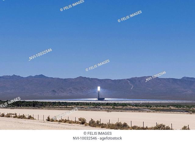 Solar thermal power station IVANPAH, Mojave Desert, Nipton, California, USA