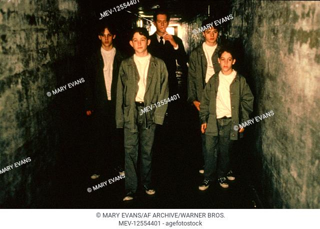Brad Renfro Jonathan Tucker Kevin Bacon Joe Perringo Geoff Widgor Characters Young Michael Stock Photo Picture And Rights Managed Image Pic Mev 12554401 Agefotostock