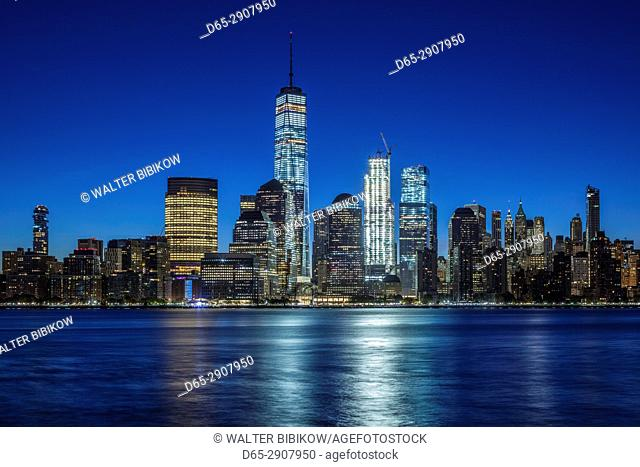 USA, New York, New York City, Lower Manhattan skyline with Freedom Tower from Jersey City, dawn