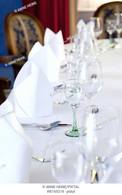 white soft table setting