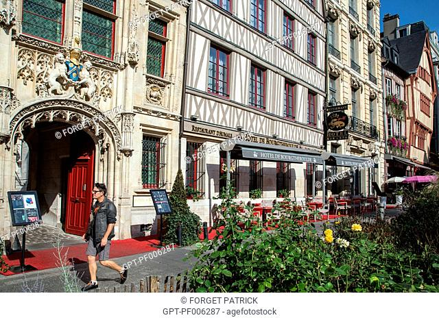 FACADE OF THE HOTEL DE BOURGTHEROULDE AND HALF-TIMBERED HOUSES, PLACE DE LA PUCELLE, ROUEN (76), FRANCE