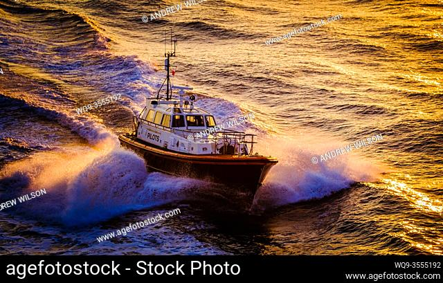 """The Pilot Cutter """"""""Humber Venus"""""""" in the Humber estuary, England, UK in evening light"""