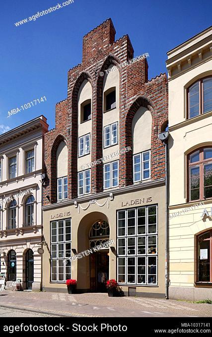 Historiches Giebelhaus in the old town, Lübeck, Schleswig-Holstein, Germany, Europe