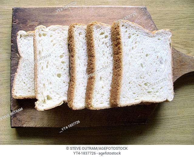 Sliced White Starenio Bread