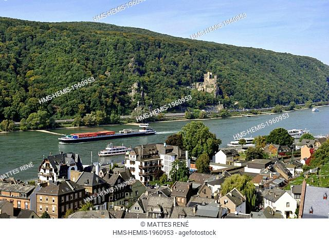 Germany, Rhineland Palatinate, Assmannshausen-Rudesheim with the castle of Rheinstein in the background, the romantic Rhine listed as World Heritage by UNESCO