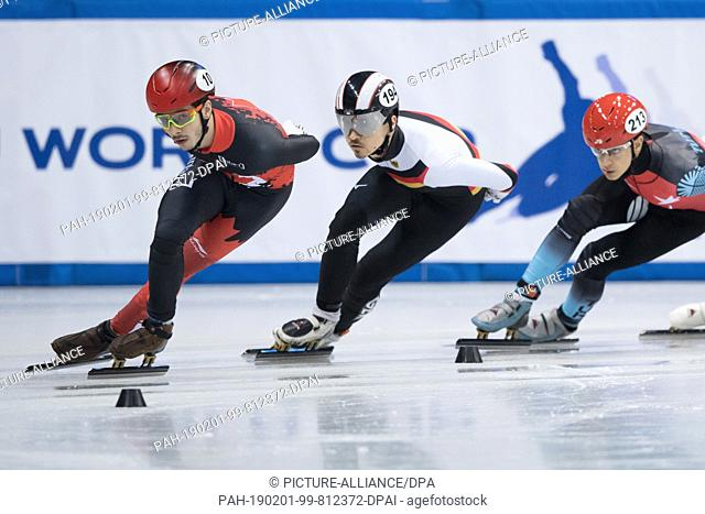 01 February 2019, Saxony, Dresden: Shorttrack: World Cup, preliminary, 1000 meters men in the EnergieVerbund Arena. Florian Becker (M) from Germany runs...