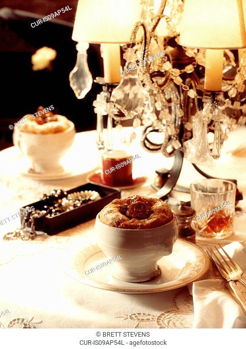 1920s style dinner scene - De Valeras Pie