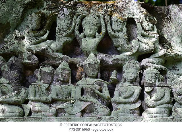Bas-relief carvings at the hidden jungle temple of Beng Mealea, Siem Reap, Cambodia, South East Asia, Asia