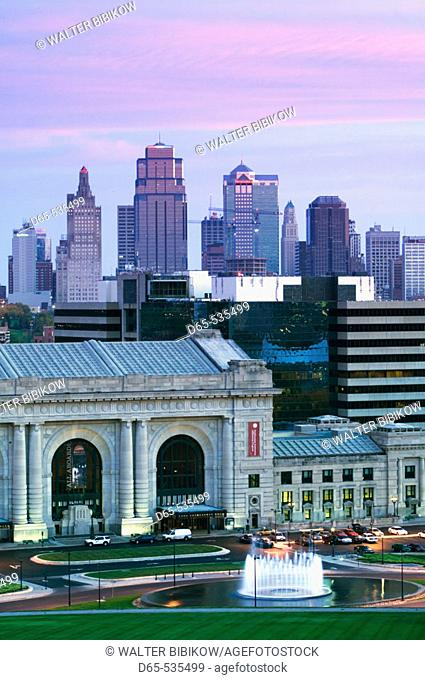 Union Station (b.1914) and Kansas City Skyline at dawn. Missouri, USA