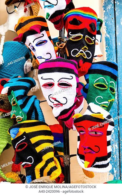 Textile crafts in Ollantaytambo, Cuzco, Peru