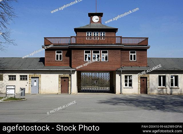 10 April 2020, Thuringia, Weimar: The entrance gate to Buchenwald concentration camp. 11.04.2020 marks the 75th anniversary of the liberation of the...