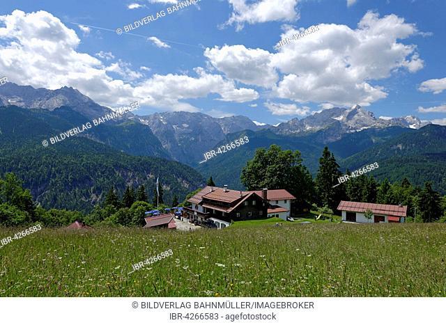 Berggasthaus Eckbauer, guesthouse, Wetterstein mountain range with Alpspitze and Zugspitze behind, Garmisch-Partenkirchen district, Werdenfelser Land