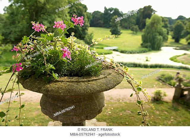 Germany, Mecklenburg-Western Pomerania, Schlosshotel Kittendorf, floral decoration on the castle terrace