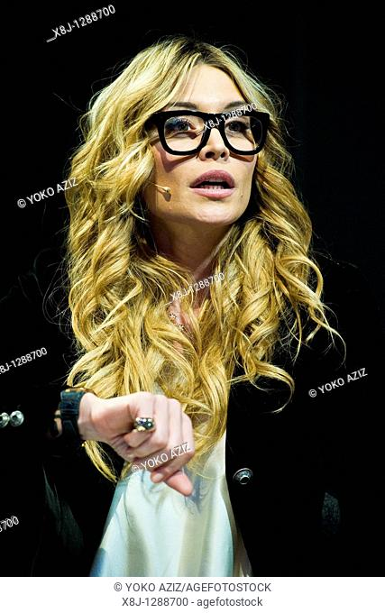Elenoire Casalegno, Telecast Saturaday Night Live 2010, Milan, Italy