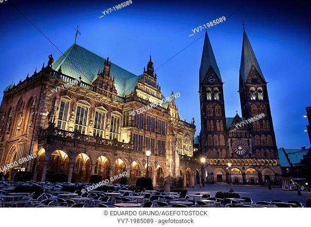 Night view of the market square (Marktplatz) with the City Hall building in foreground (World Heritage Site by Unesco), and St. Peter Cathedral