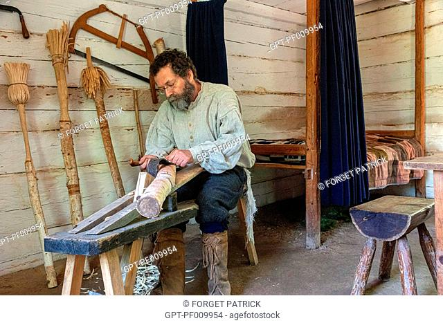 WOODWORKER AND BROOM MAKER, MARTIN HOUSE BUILT IN 1773, HISTORIC ACADIAN VILLAGE, BERTRAND, NEW BRUNSWICK, CANADA, NORTH AMERICA