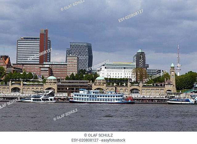 Hamburg - Skyline with jetties