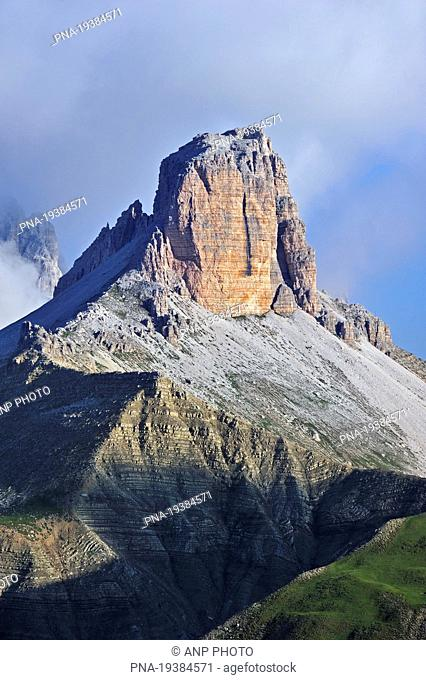 Torre dei Scarperi, Sexten Dolomites, Dolomiti di Sesto, Alps, South Tyrol, Trentino Alto Adige, SÆ'dtirol, Italy, Europe