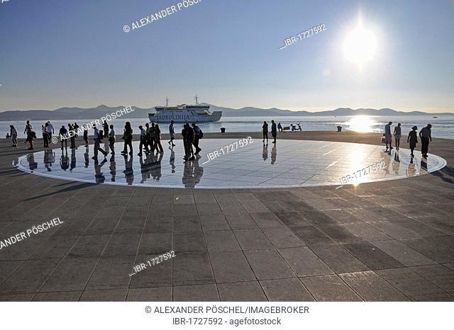 Historic town centre, evening mood, Greeting to the Sun, an installation by the architect Nikola Baoeic, Zadar, Croatia, Europe