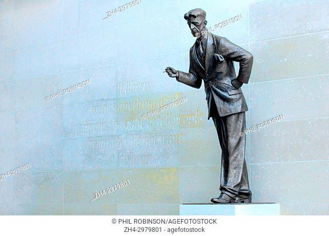 London, England, UK. BBC New Broadcasting House: Statue of George Orwell (Eric Arthur Blair, 1903-1950) by Martin Jennings, unveiled November 2017