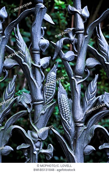 The famous Cornstalk Fence of COLONEL SHORT'S VILLA in the Garden District, USA, Louisiana, New Orleans