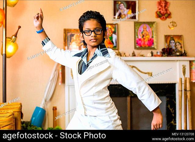 Roni Akurati Film: Good Ol' Boy; Growing Up Smith (2015) Director: Frank Lotito 01 June 2015