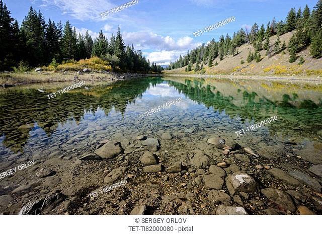 Canada, Alberta, Jasper, View of lake in Valley of Five Lakes
