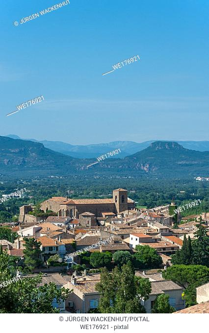 Cityscape with the church Saint-Pierre-Saint-Paul, Roquebrune-sur-Argens, Var, Provence-Alpes-Cote d`Azur, France, Europe