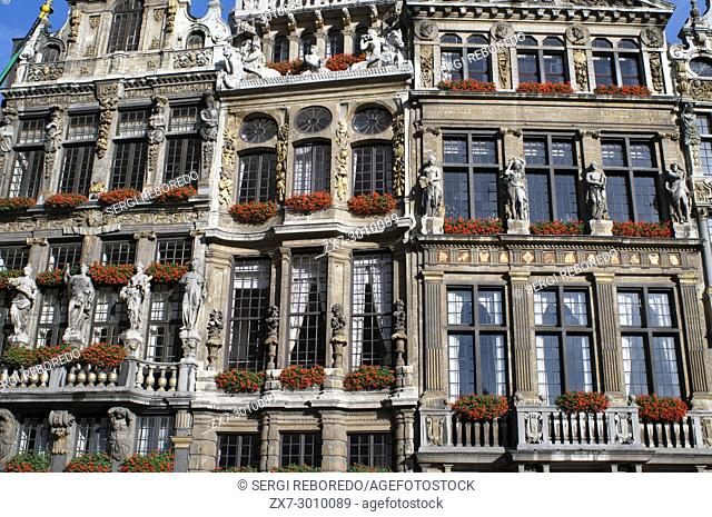 Background buildings Louve, Sac and Brouette. Grand Place, Brussels, Belgium. The Louve, Sac and Brouette are a group of houses that were not rebuilt in 1695