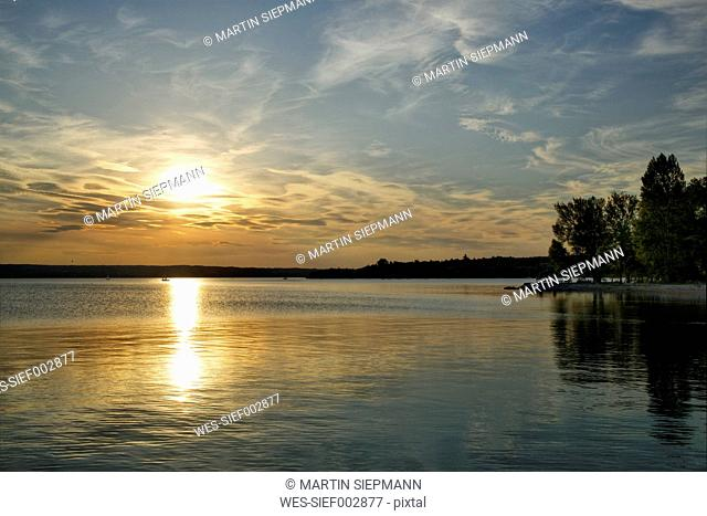 Germany, Bavaria, View of Lake Ammersee in Herrsching during sunset