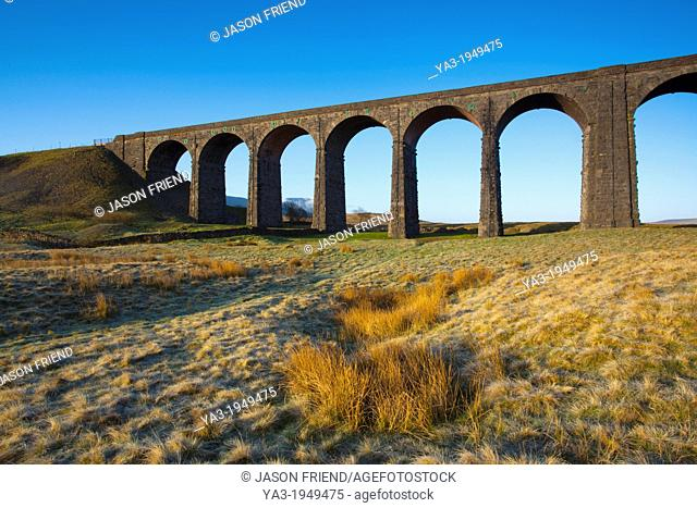 England, North Yorkshire, Yorkshire Dales National Park. Ribblehead Viaduct, a railway viaduct across the valley of the River Ribble at Ribblehead in the...