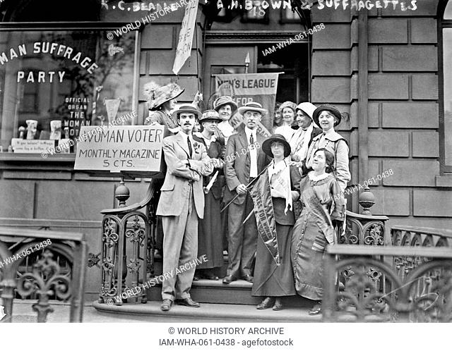 Members of the Men's League for Woman Suffrage outside 48 East 34th St., headquarters of the Woman's Suffrage Party of Manhattan